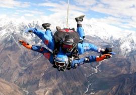 Everest Skydiving
